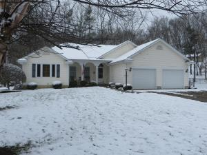 Single Family Home for Sale at 745 Sleigh Hill 745 Sleigh Hill Bremen, Ohio 43107 United States