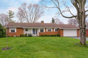 Property for sale at 3900 Chiselhurst Place, Upper Arlington,  OH 43220