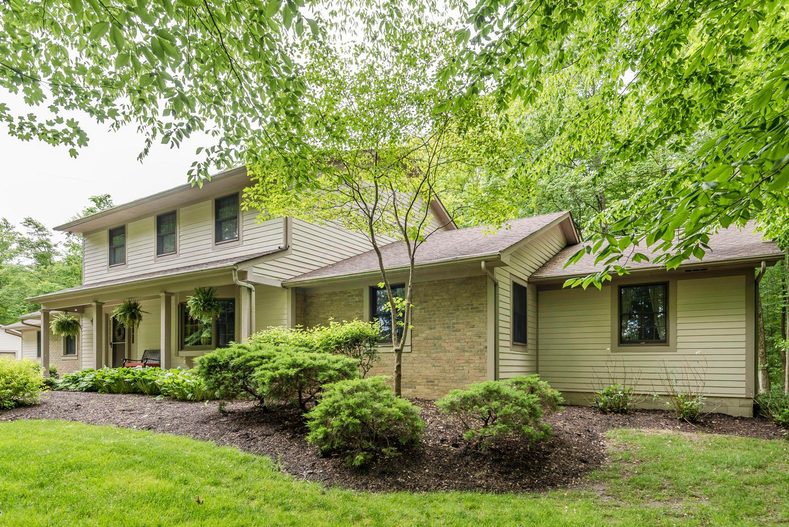 Photo of home for sale at 9860 Concord Road, Dublin OH