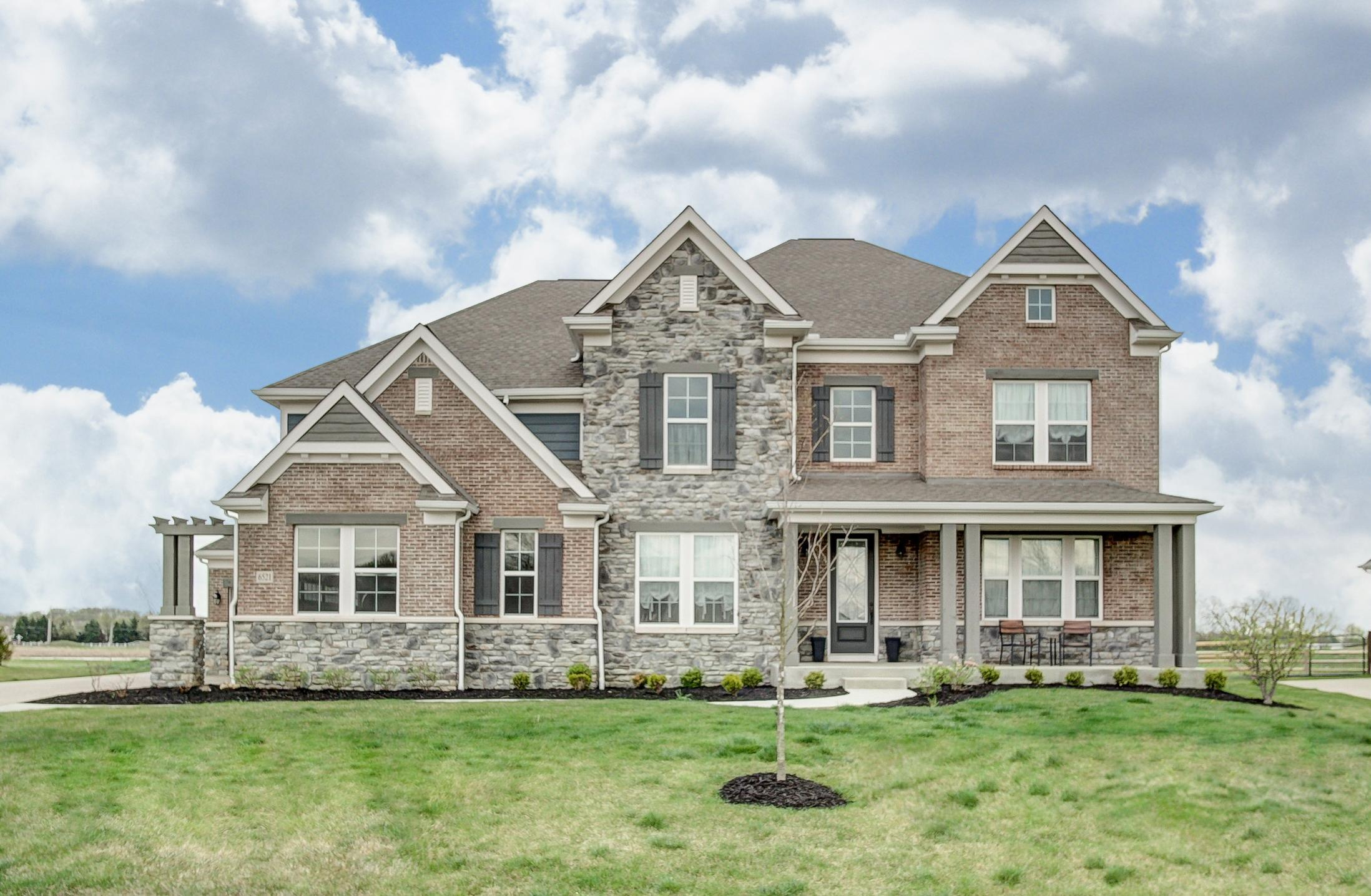 Photo of home for sale at 6521 Marshview Drive, Hilliard OH