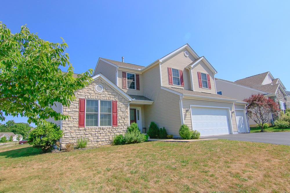 Photo of home for sale at 776 Stallion Way, Marysville OH