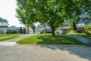 Property for sale at 627 E Weisheimer Road, Columbus,  OH 43214