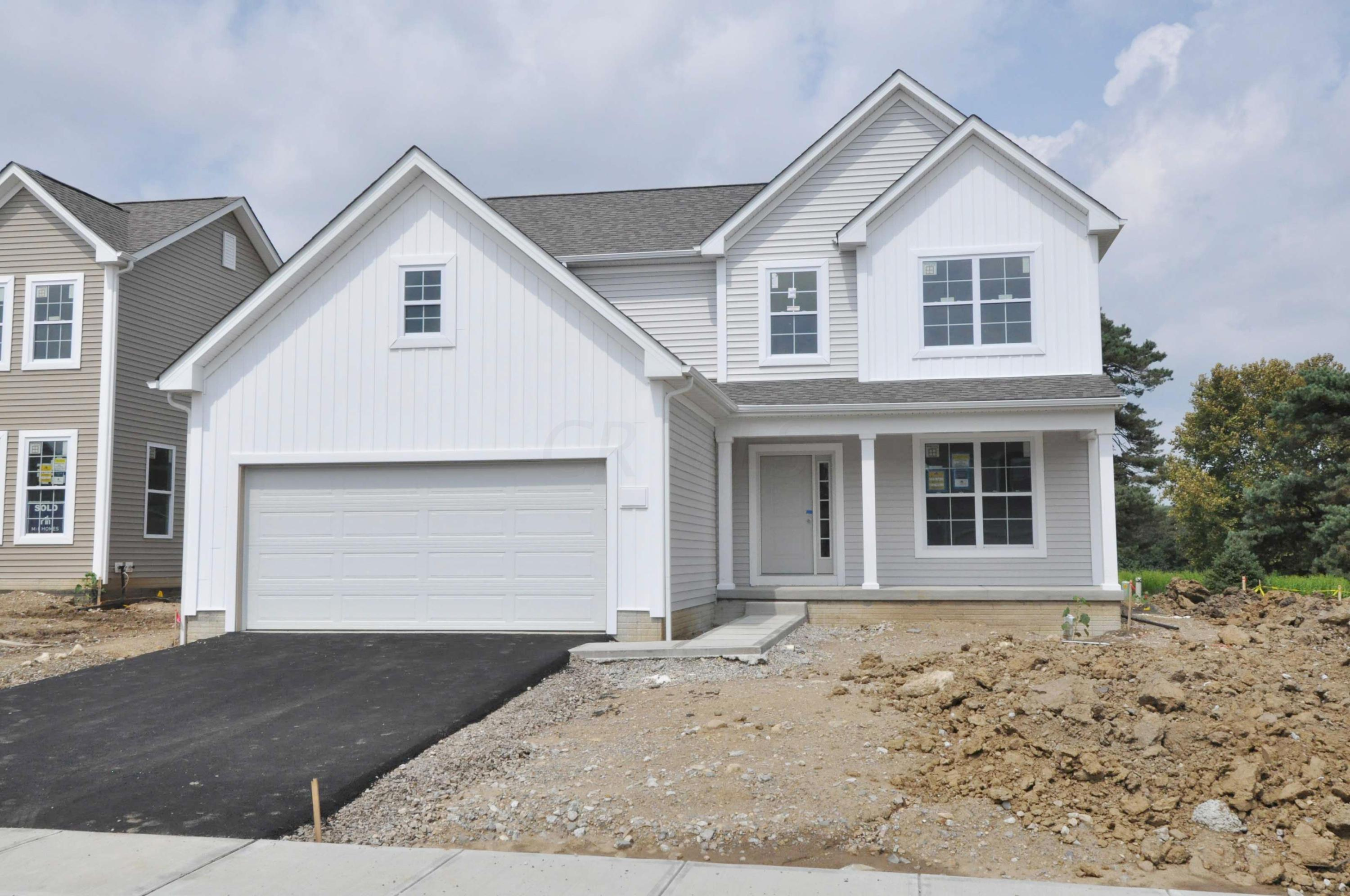 Photo of home for sale at 3212 Yellow Finch Way, Columbus OH