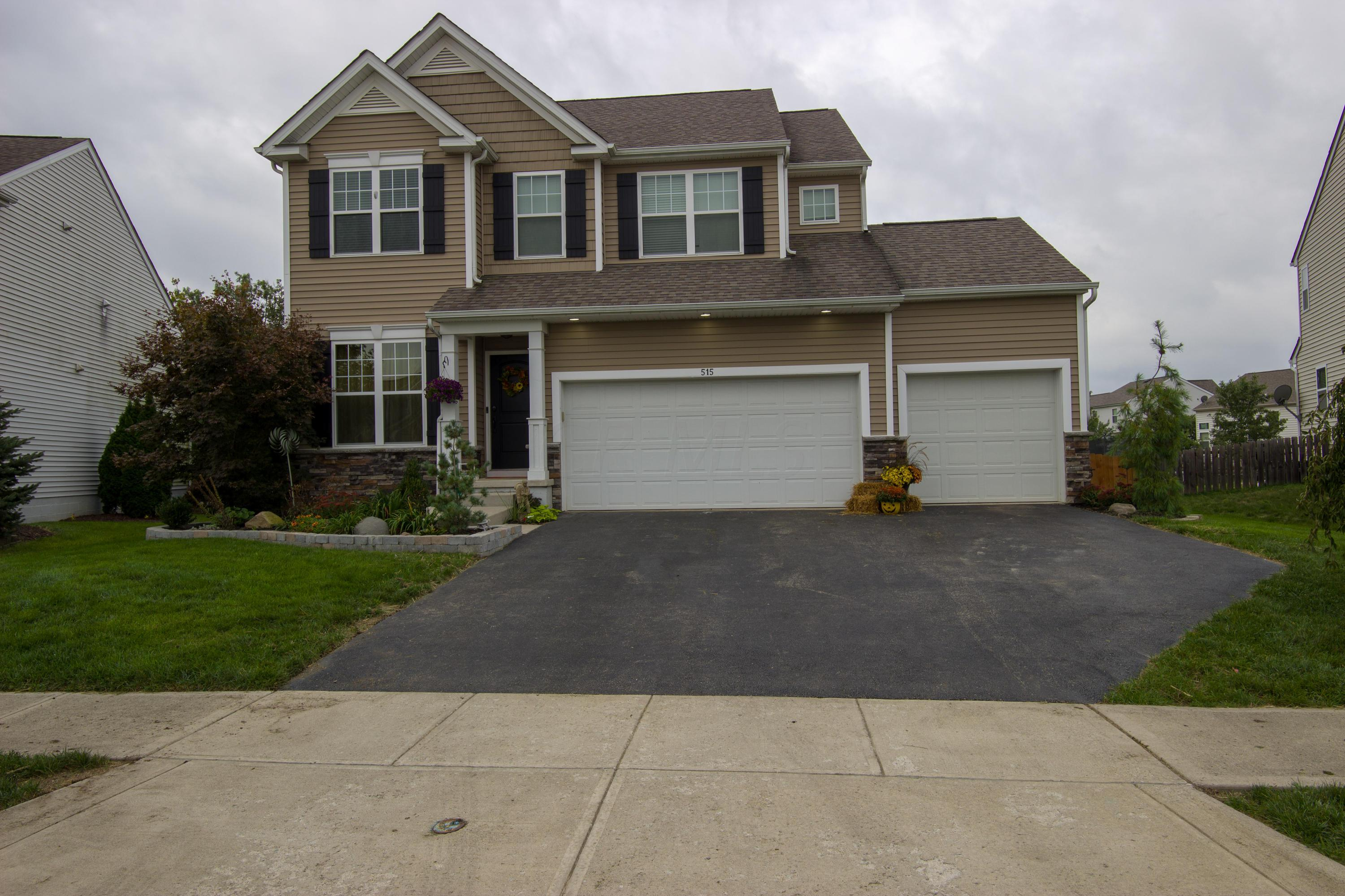 Photo of home for sale at 515 Summer Tree Loop, Marysville OH