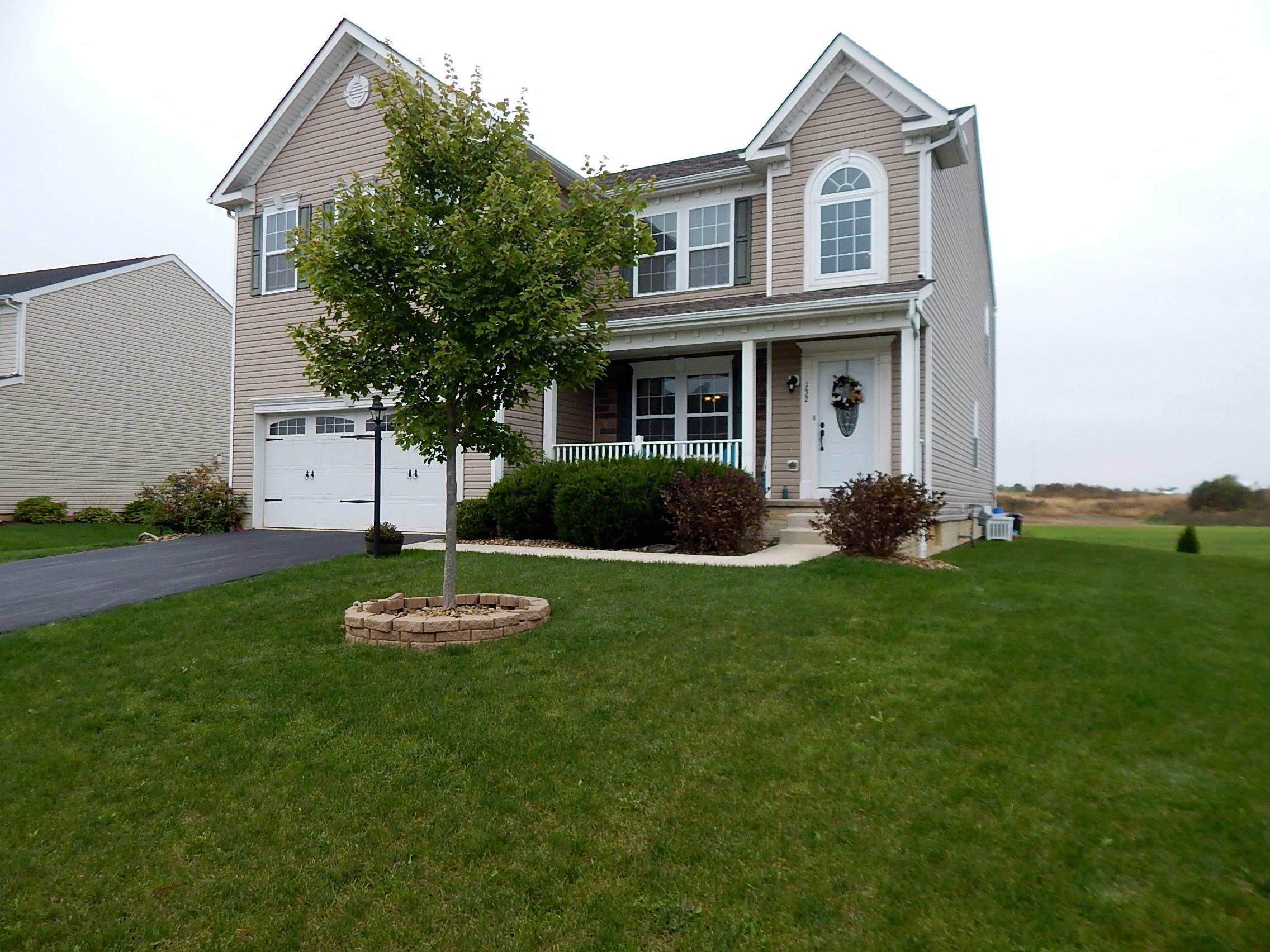Photo of home for sale at 132 Parkdale Drive, Johnstown OH