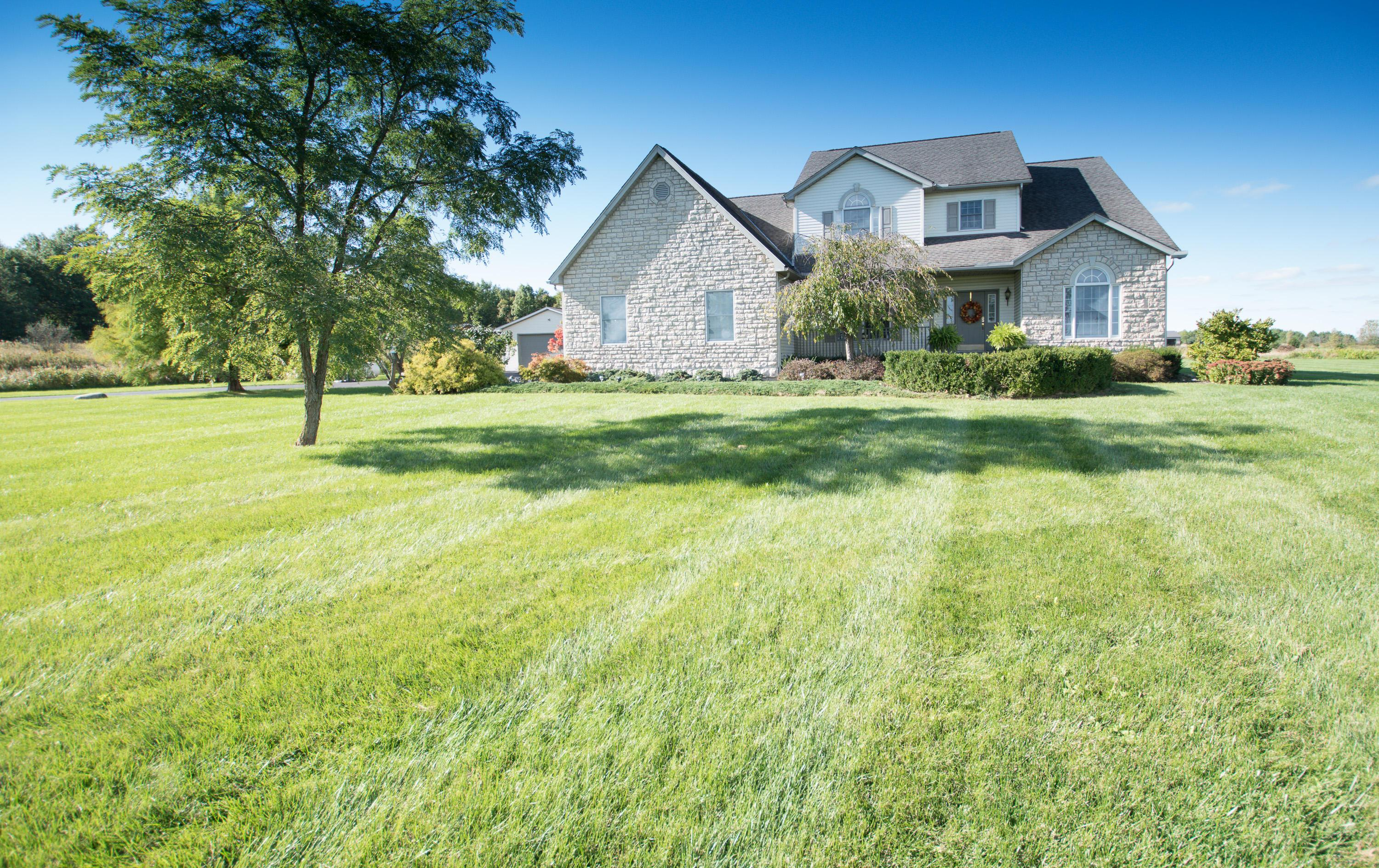 Photo of home for sale at 24610 Darby Pottersburg Road, Marysville OH