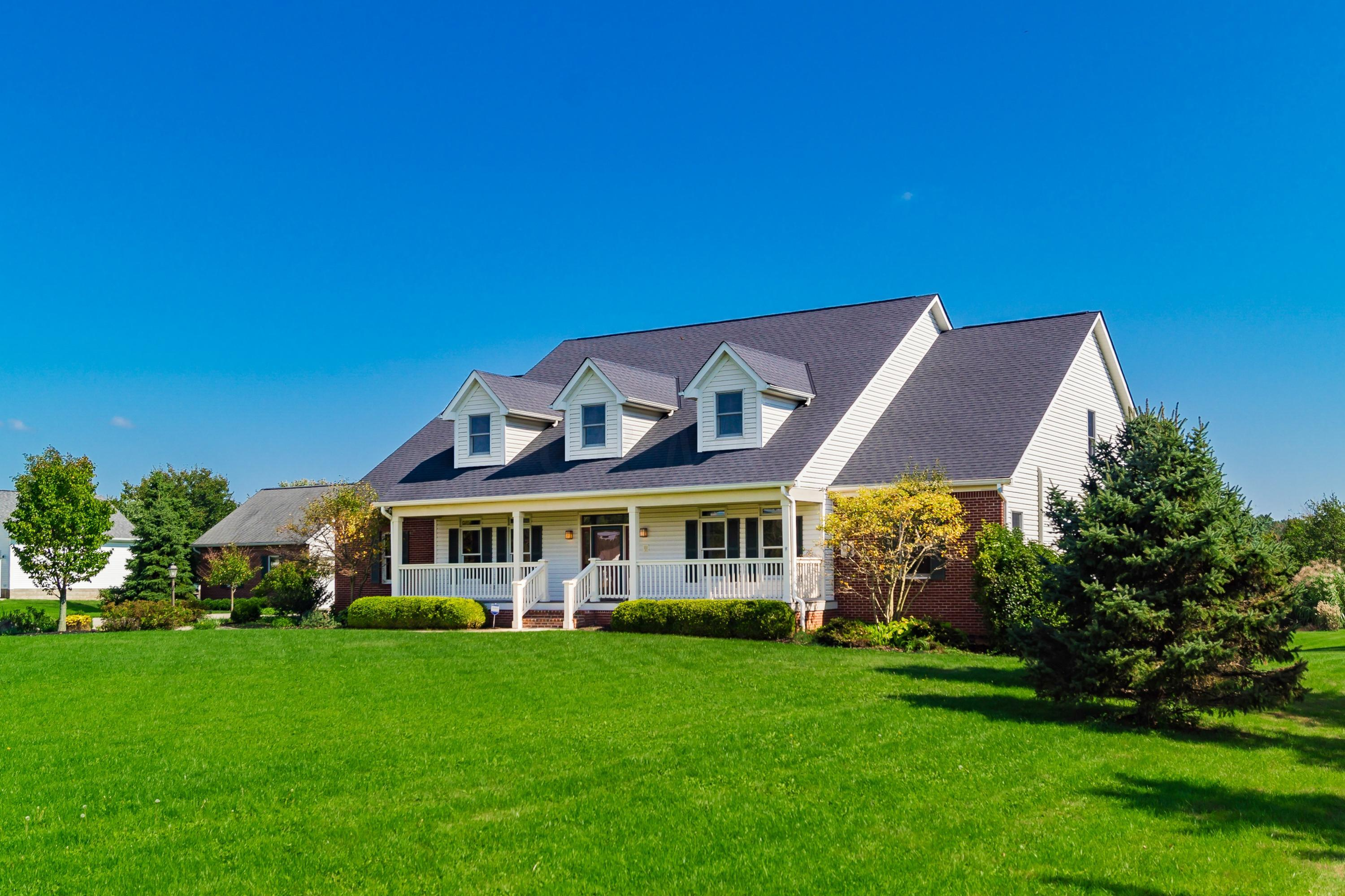 Photo of home for sale at 12600 Ault Road, Pickerington OH