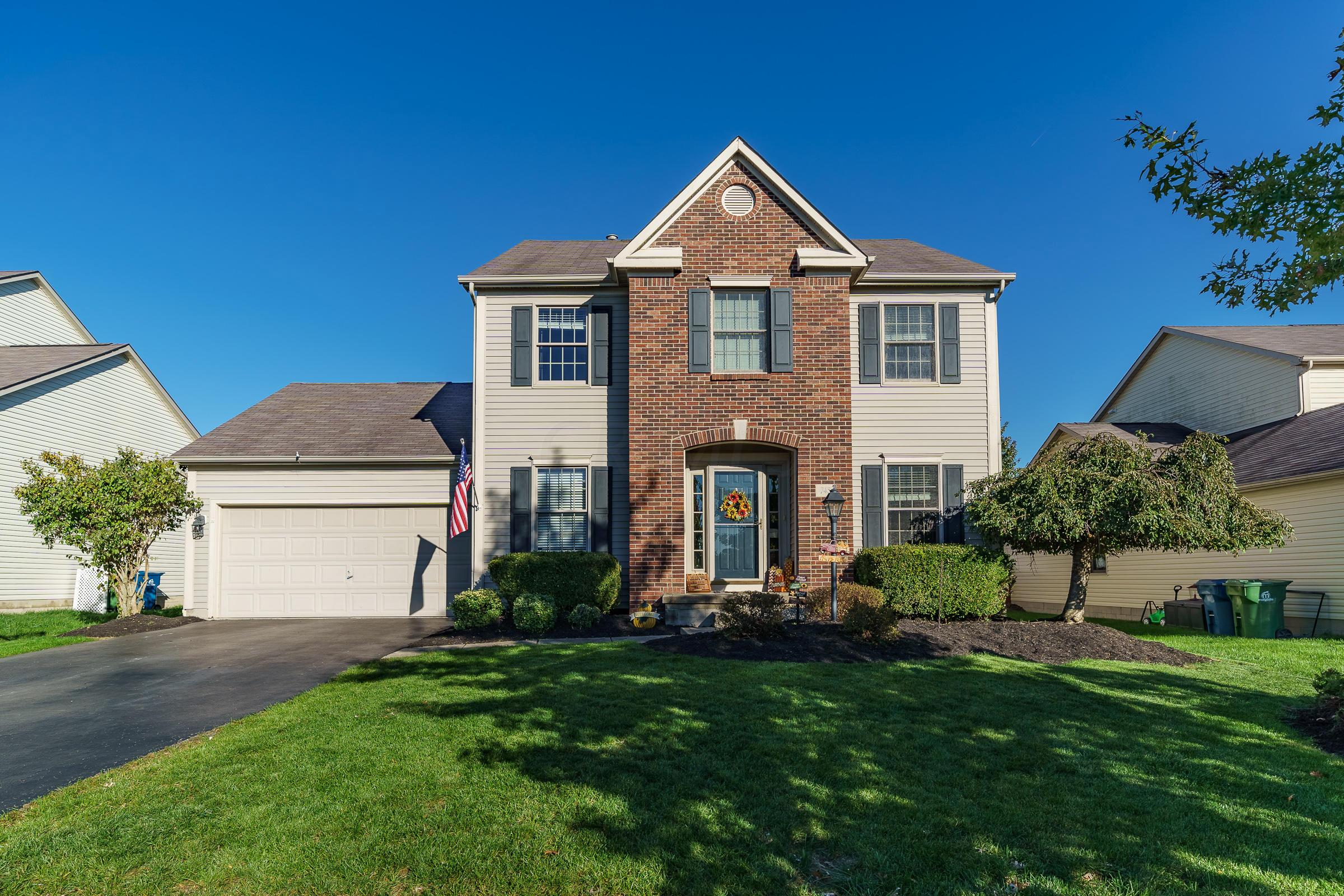 Photo of home for sale at 745 Lone Rise Drive E, Marysville OH