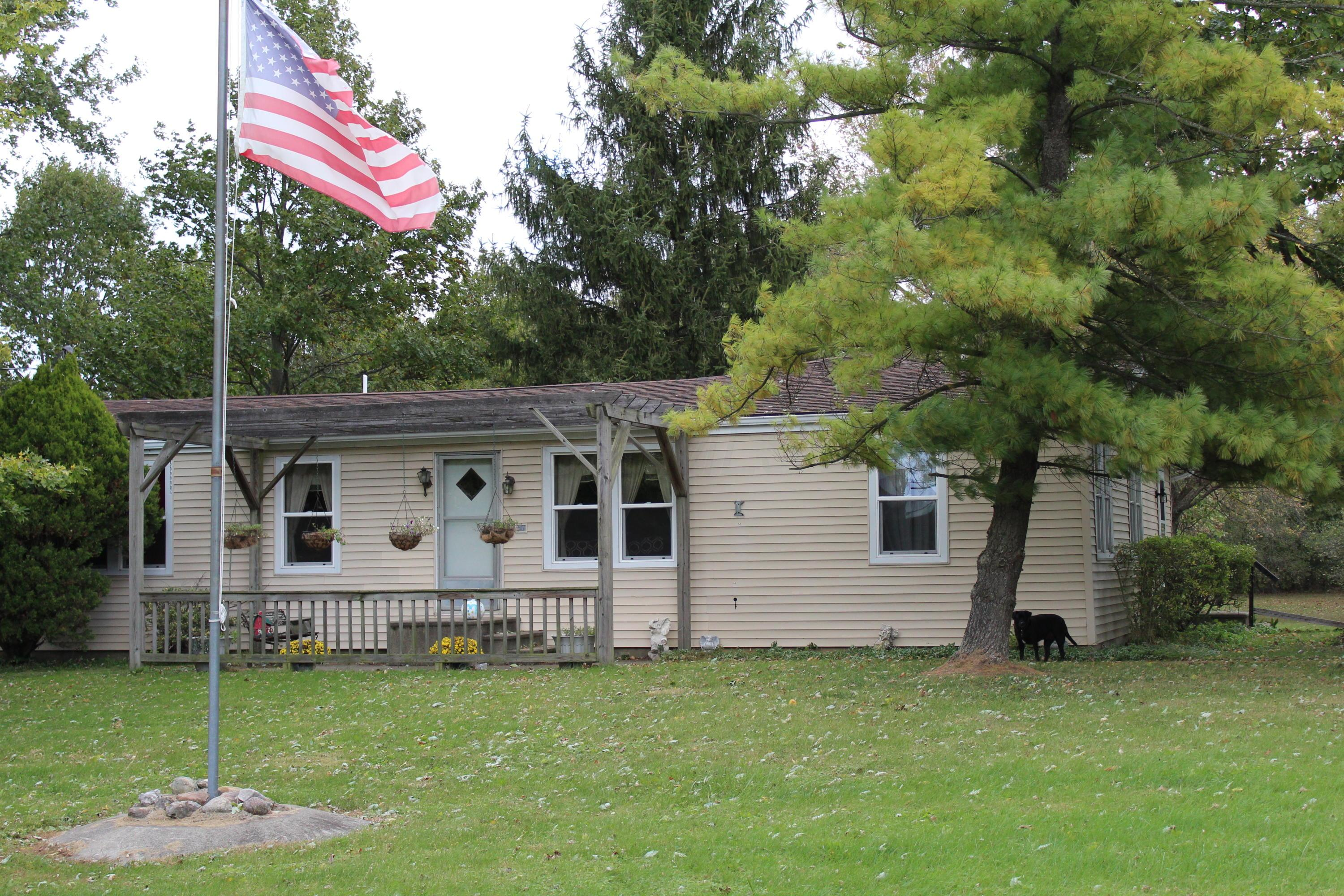 Photo of home for sale at 10680 Maple Dell Road, Marysville OH