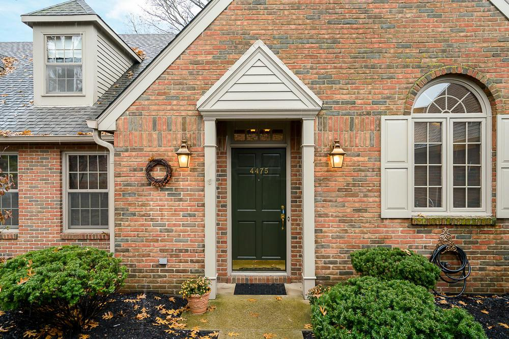 Pleasant Condo Shared Wall For Sale At Sold 4475 Masters Drive Home Interior And Landscaping Analalmasignezvosmurscom