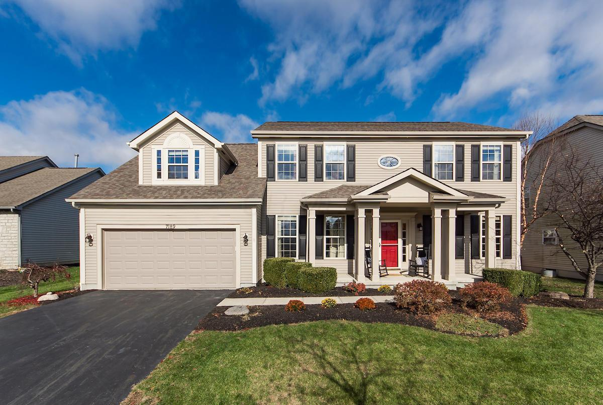 Photo of home for sale at 7189 Nightshade Drive, Westerville OH
