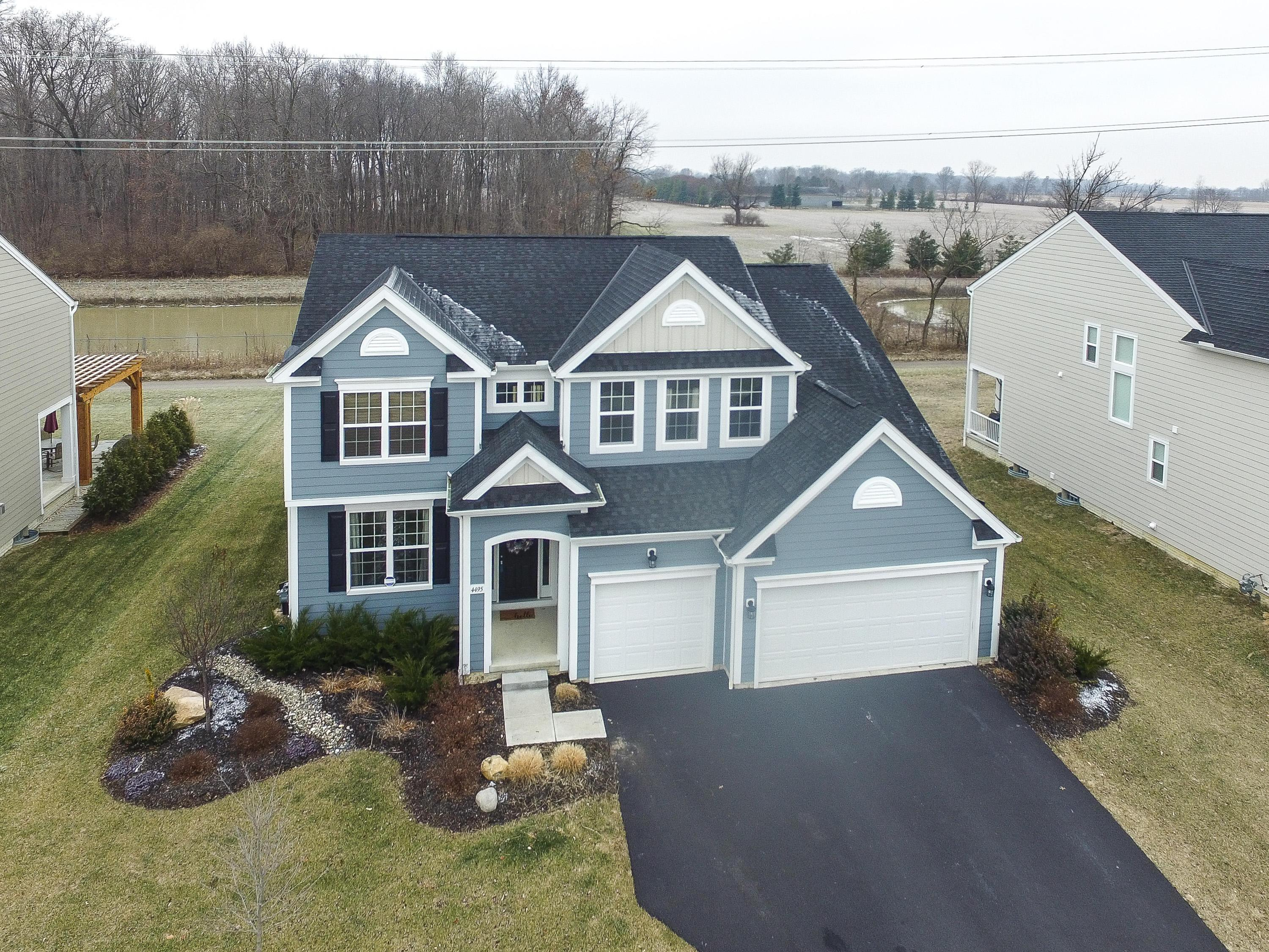 Photo of home for sale at 4495 Jada Way, Hilliard OH