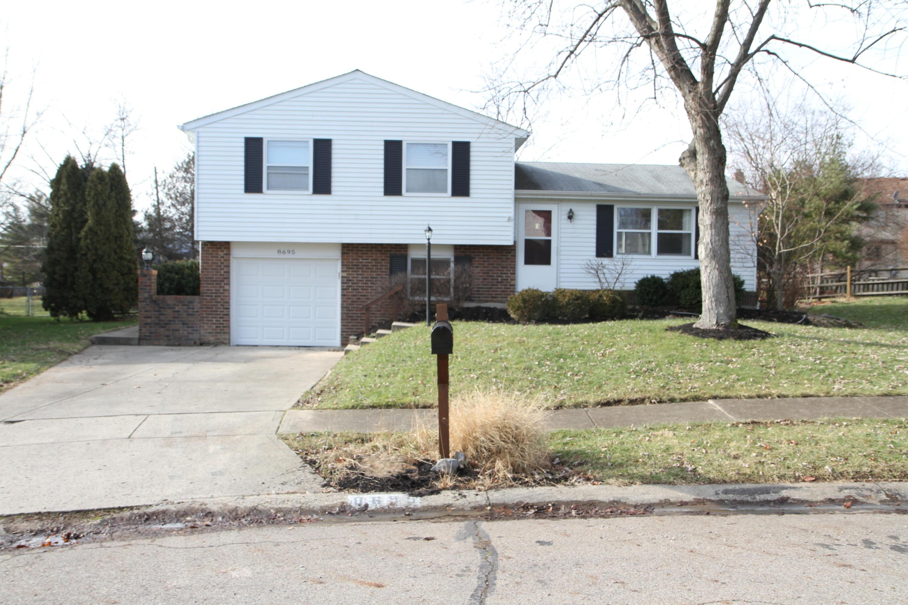 Photo of 8695 Ripton Drive, Powell, OH 43065