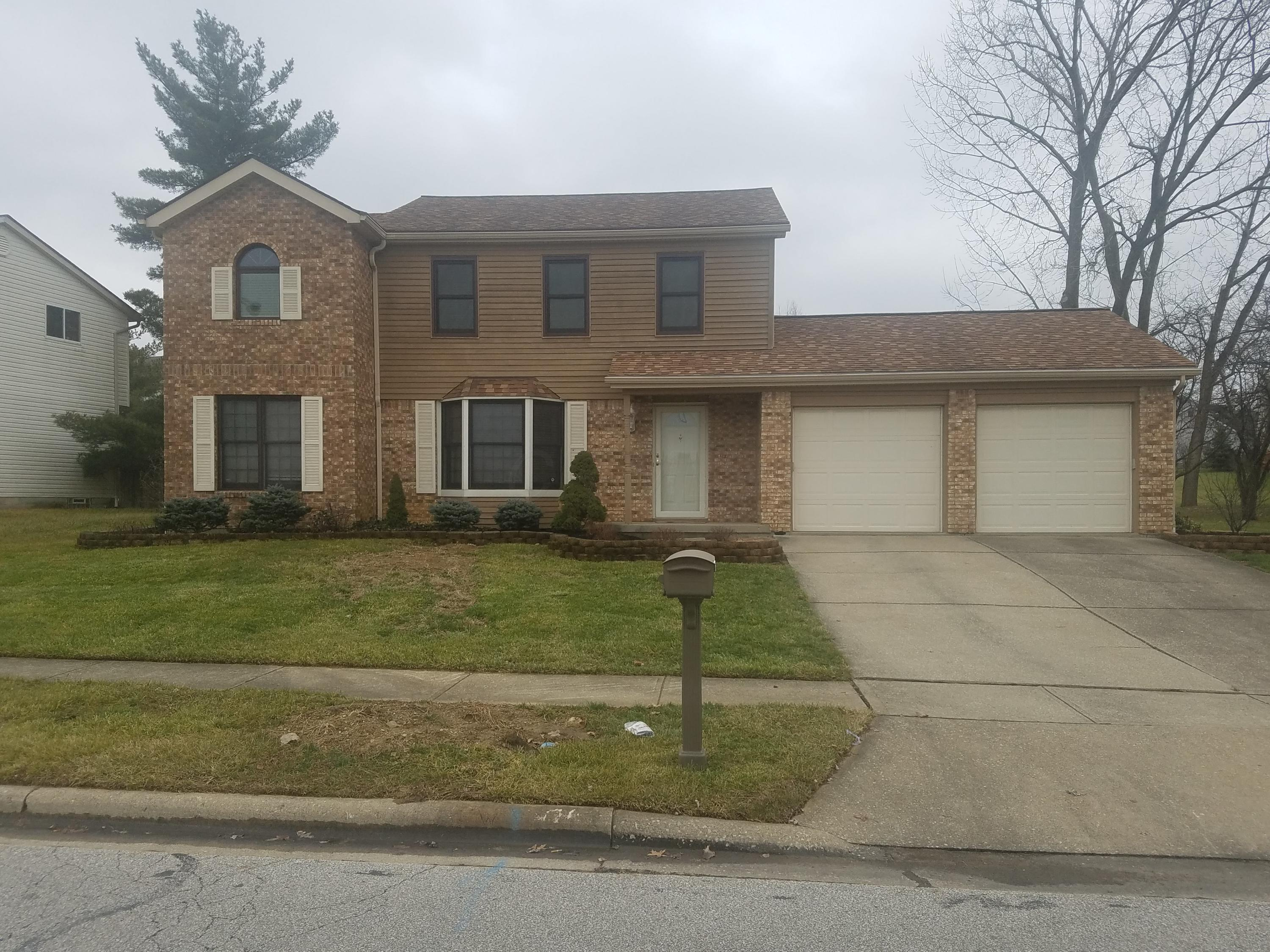 Photo of home for sale at 272 Helmbright Drive, Gahanna OH