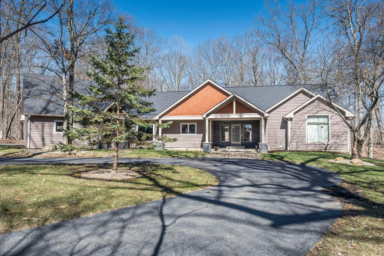 Photo of 6960 Cook Road, Powell, OH 43065