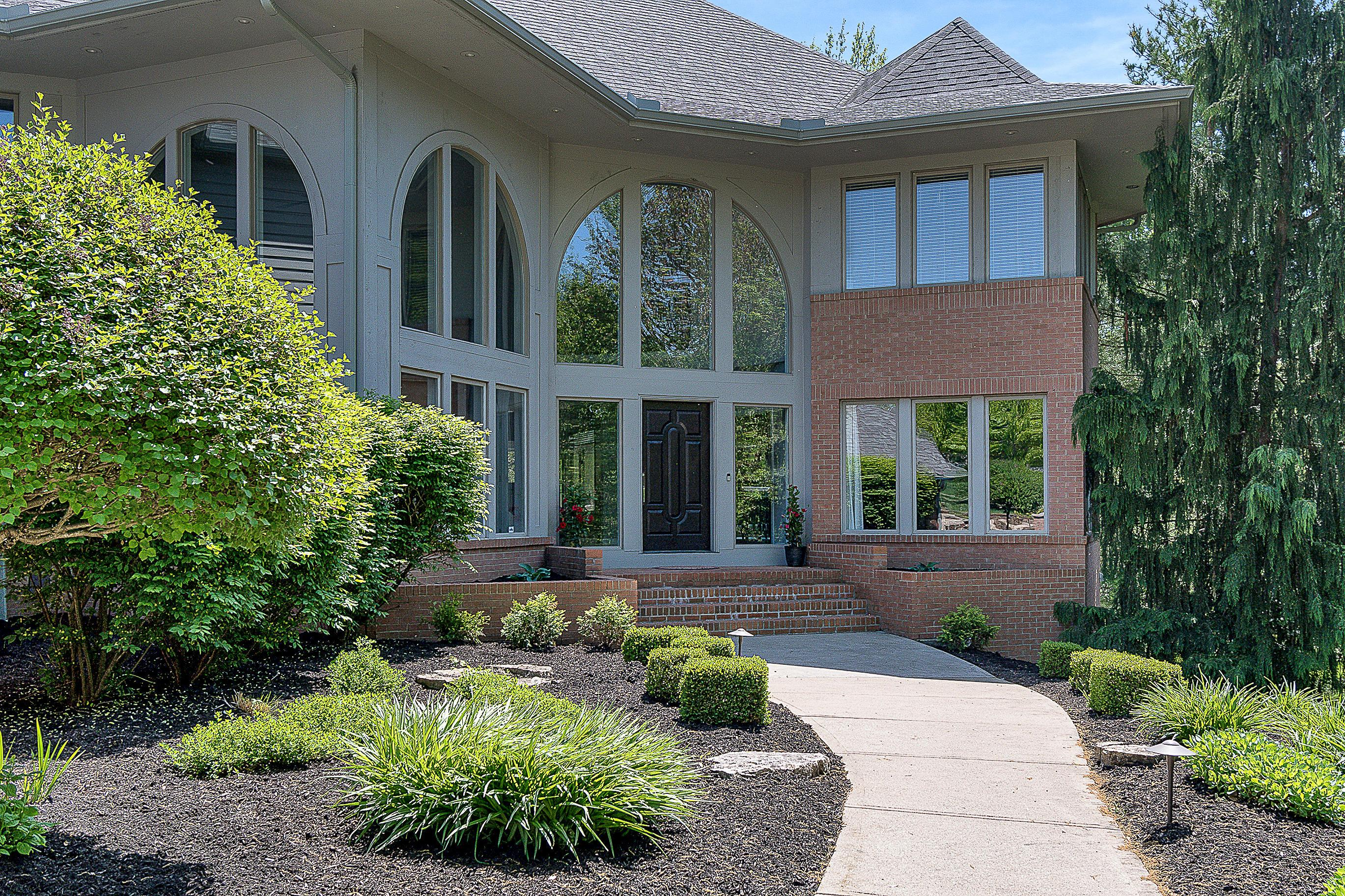 Photo of 2121 Strathshire Hall Lane, Powell, OH 43065