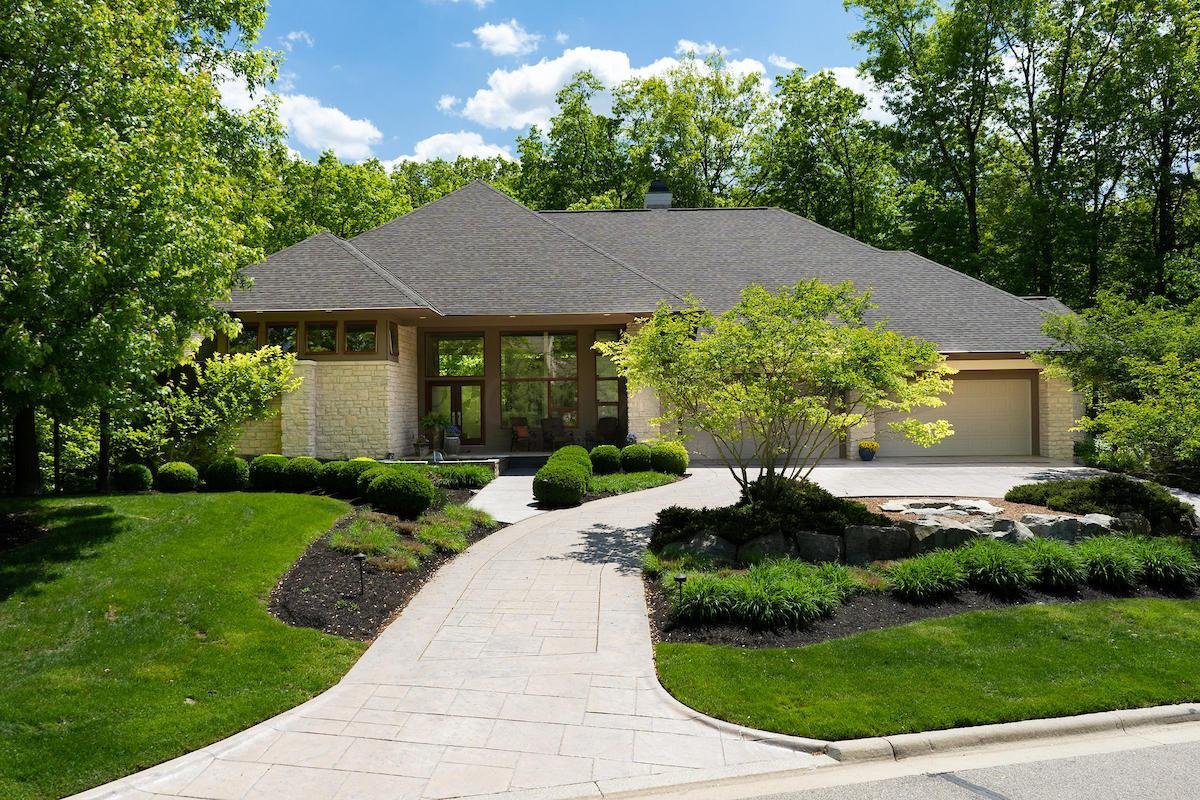 Photo of 687 Whispering Woods, Powell, OH 43065
