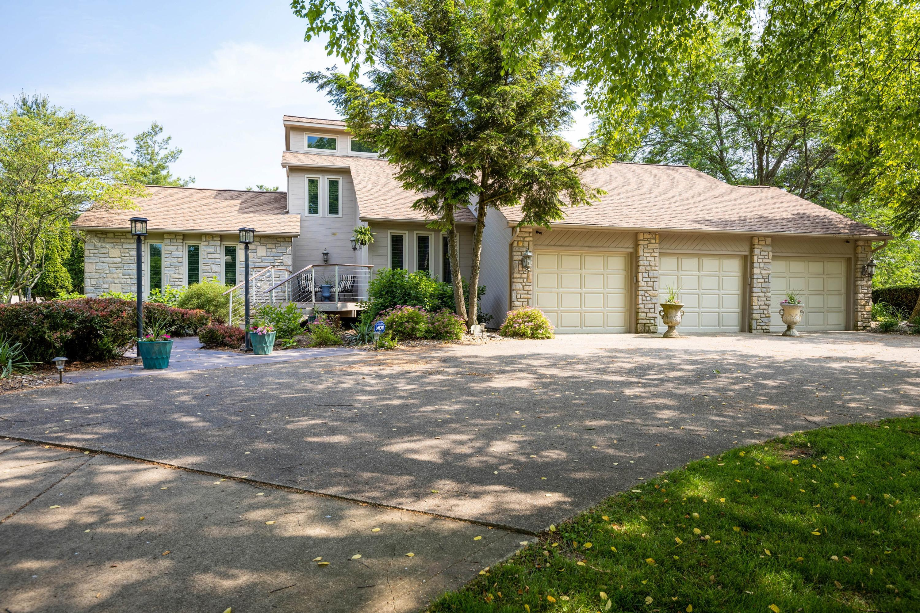 Photo of 10280 Covan Drive, Westerville, OH 43082