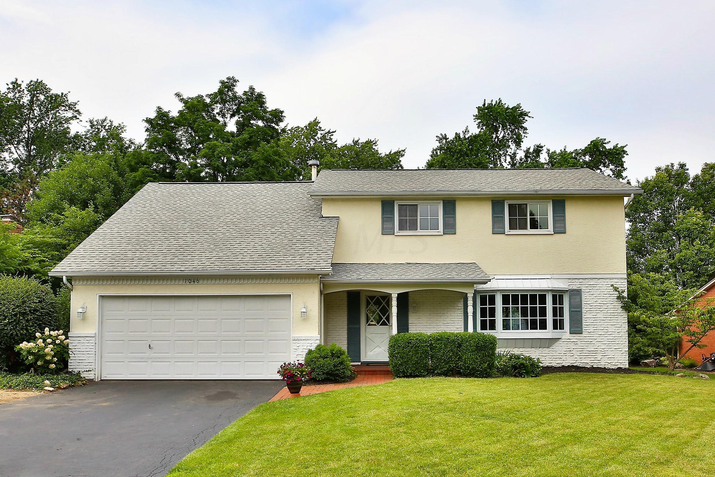 Terrific 1046 Medhurst Road Columbus Oh 43220 43 Homes Home Interior And Landscaping Analalmasignezvosmurscom