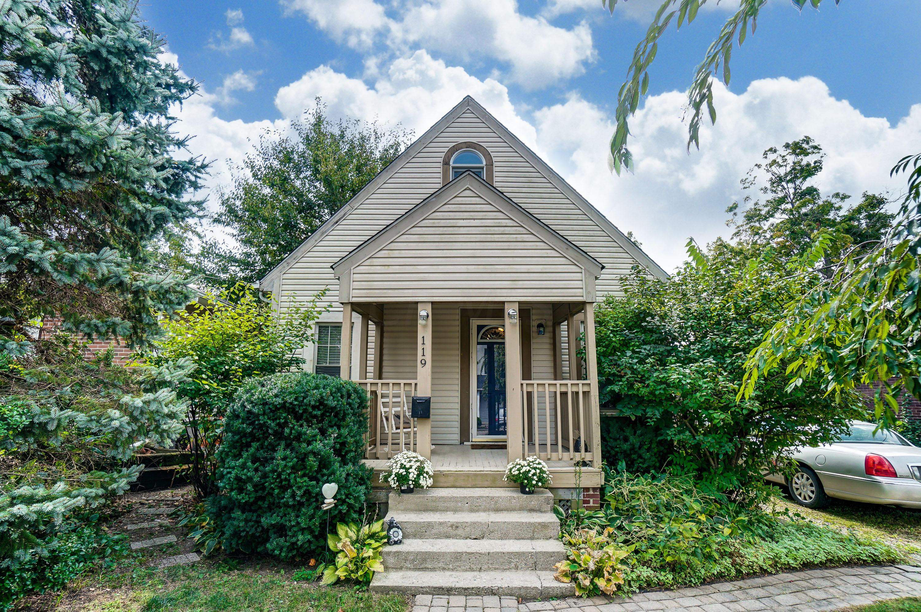 Photo of 119 North Street, Gahanna, OH 43230