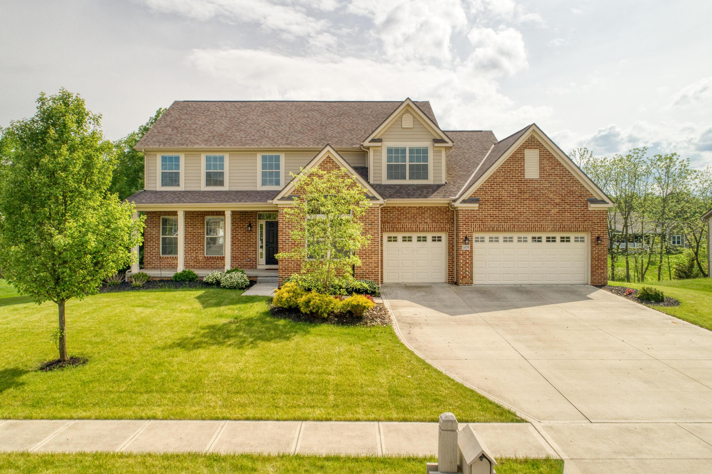Photo of 1679 Forest View Drive, Pataskala, OH 43062