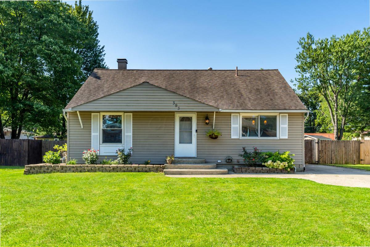 Photo of 393 Hermitage Road, Gahanna, OH 43230