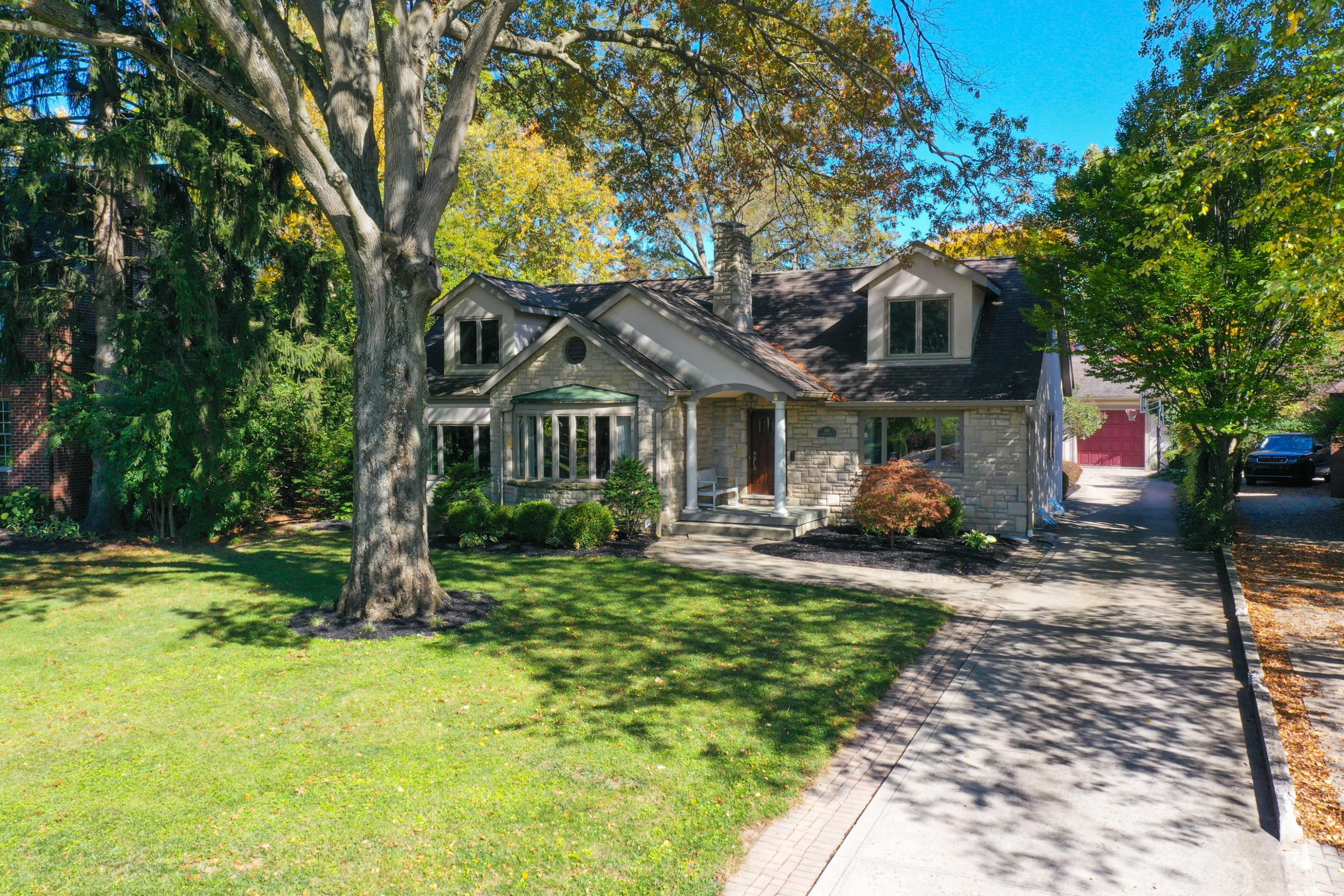 Photo of 268 Ashbourne Place, Bexley, OH 43209