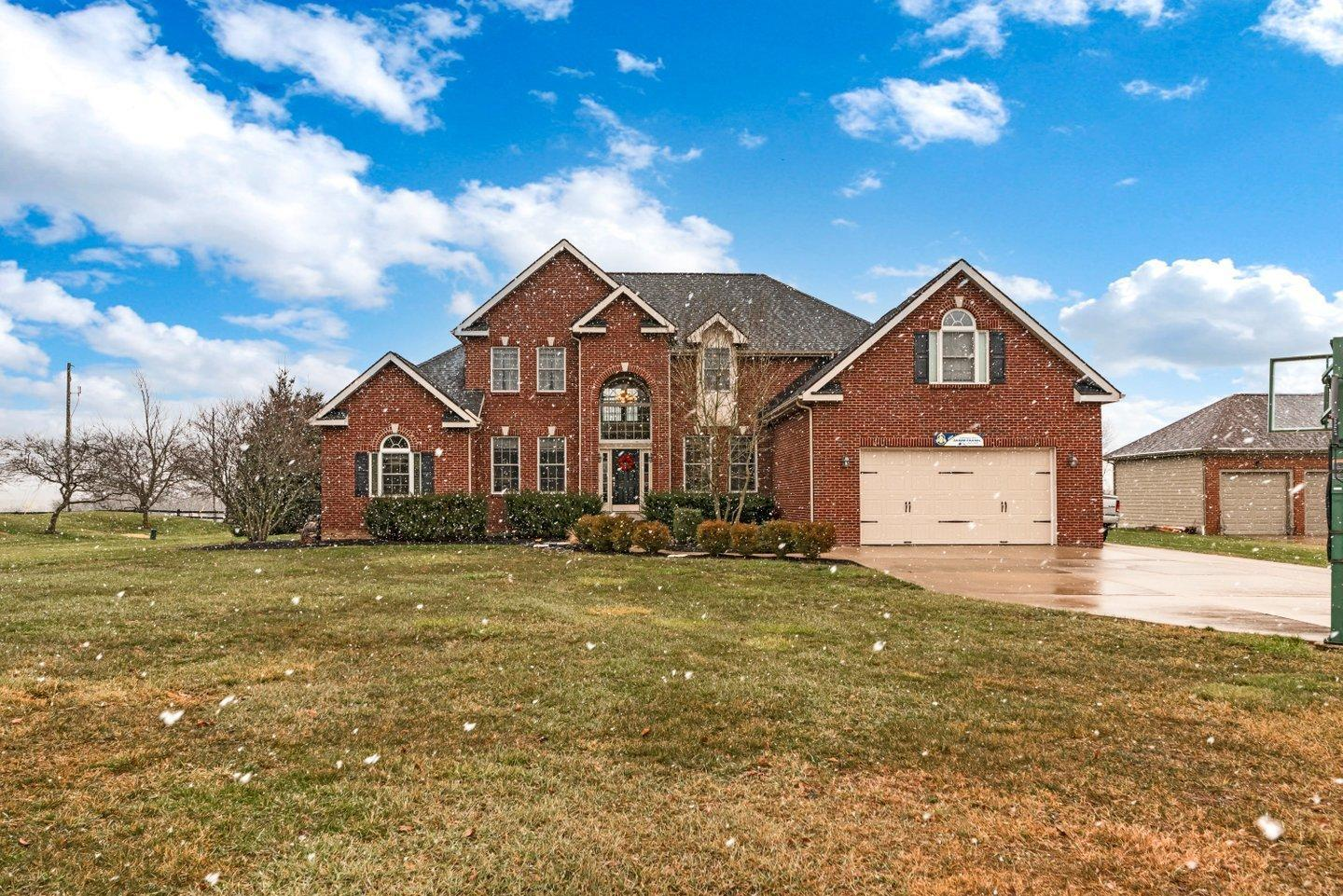 Photo of 3730 Woodstone Drive, Lewis Center, OH 43035