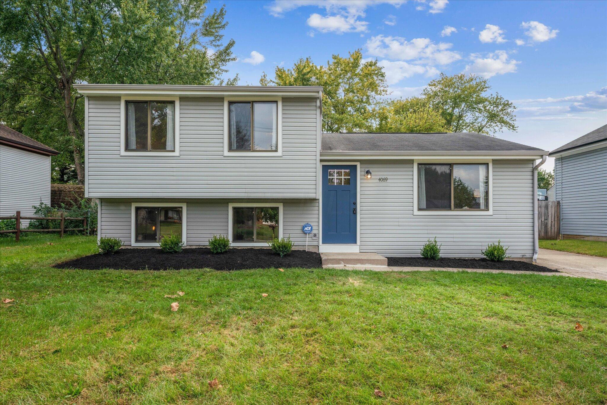 Photo of 4069 Yellowstone Drive, Groveport, OH 43125