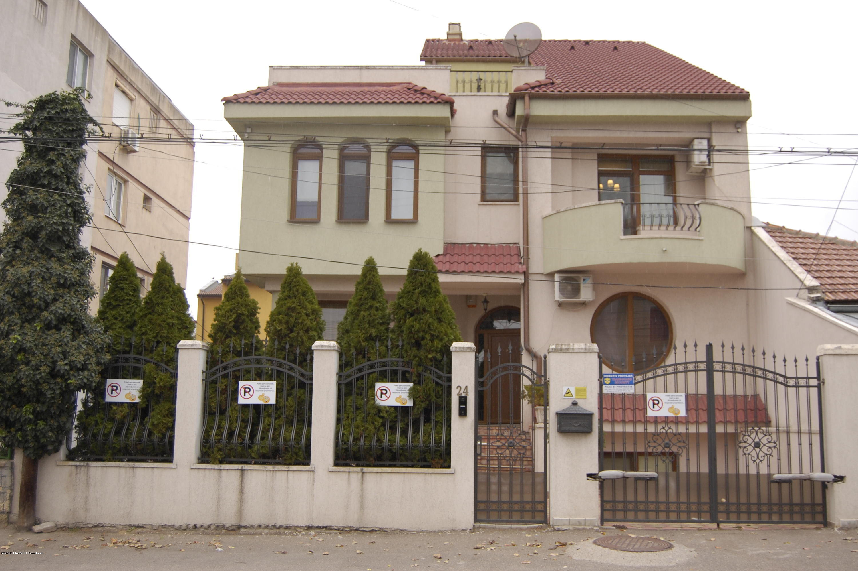 Vanzare Casa 384 m² - Faleza Nord, Constanta