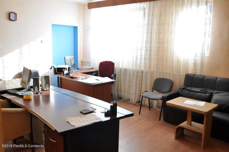 Vanzare Casa 410 m² - Ovidiu, Ovidiu