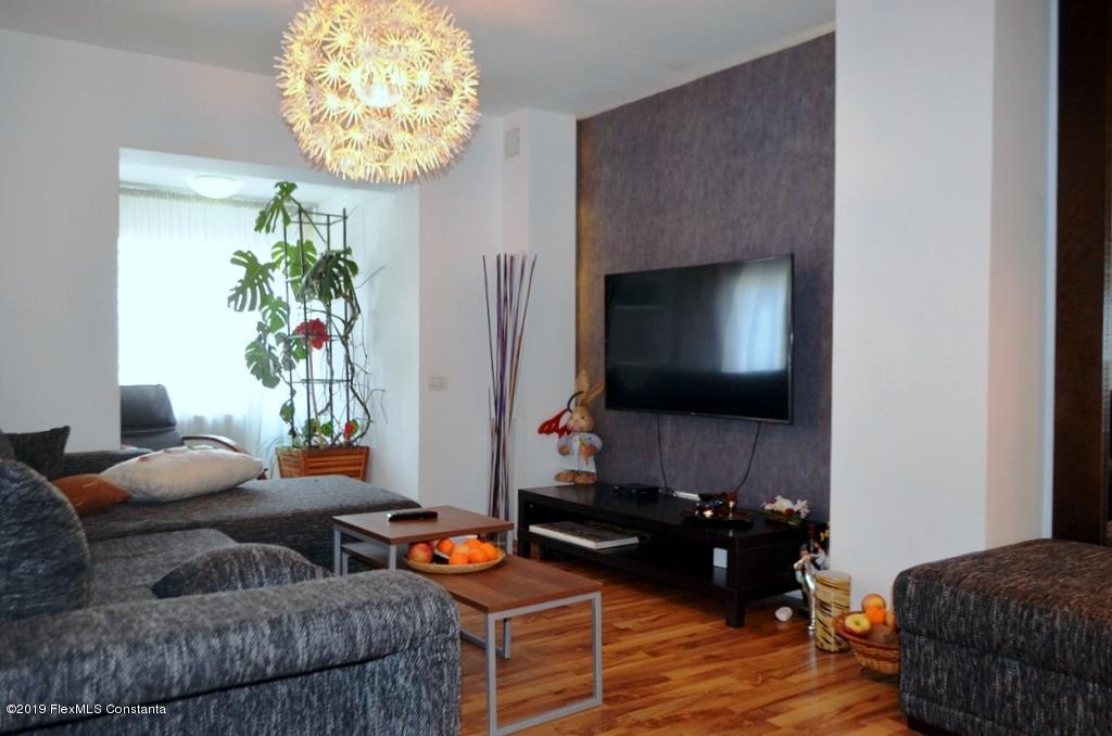 Vanzare Apartament 5 camere - Balada, Constanta
