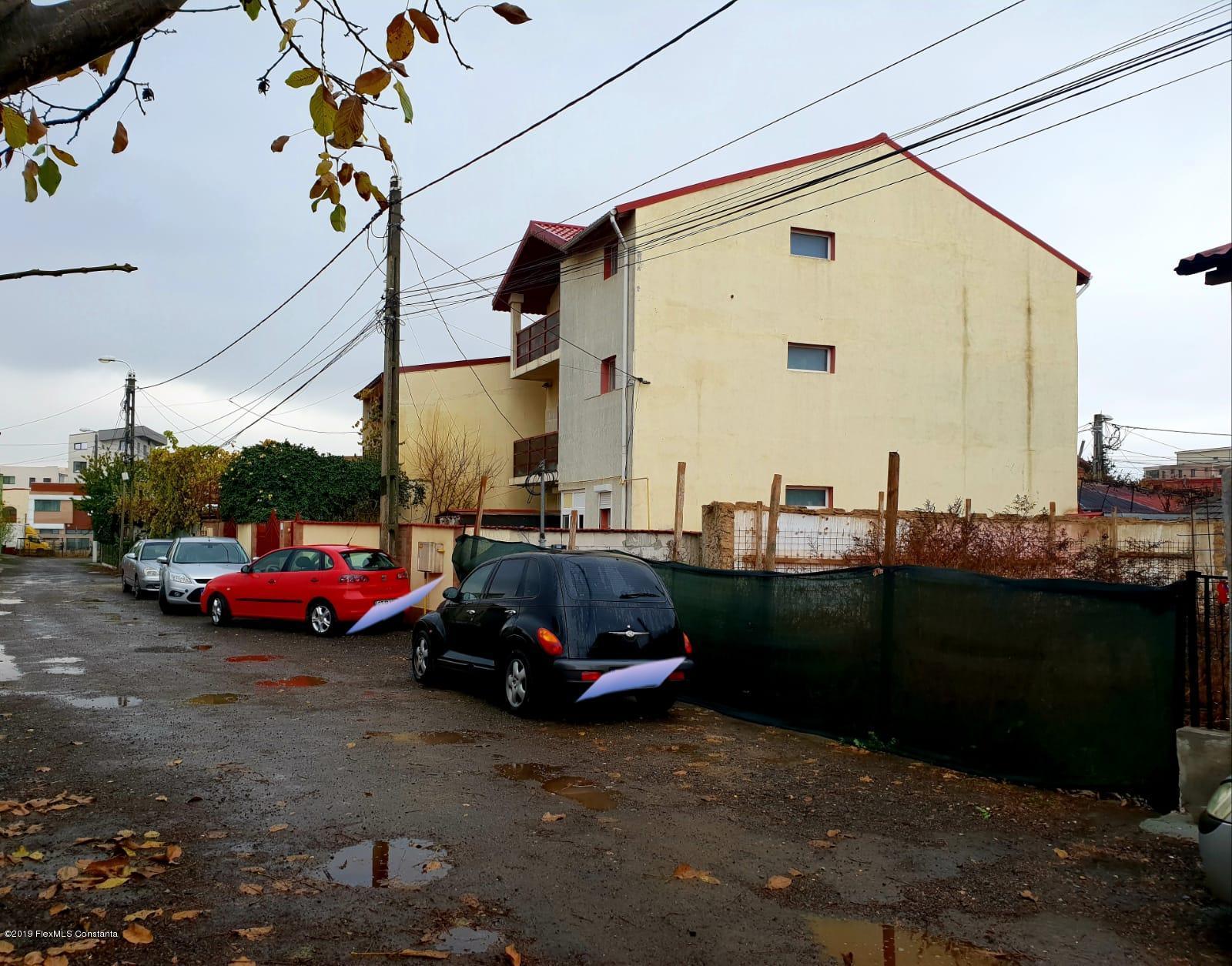 Vanzare Teren Intravilan 220 m² - Compozitorilor, Constanta