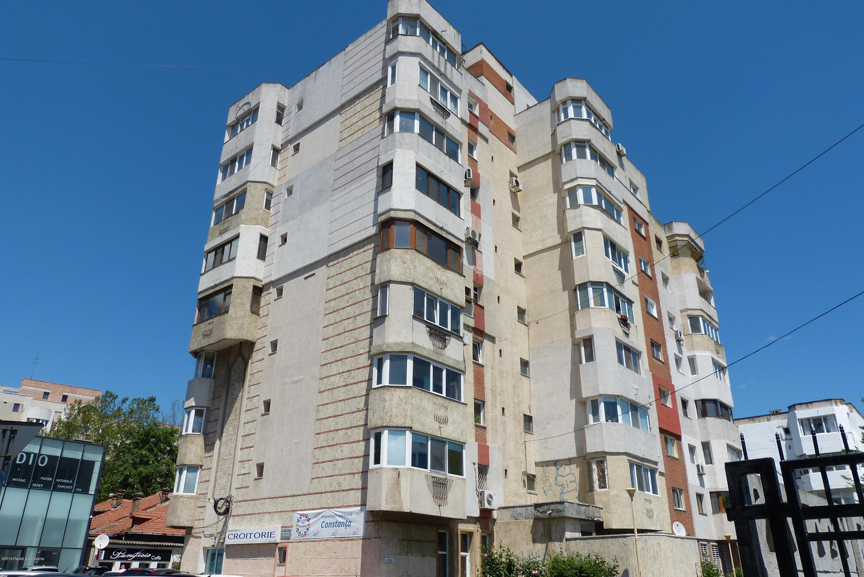 Vanzare Apartament 4 camere - Centru, Constanta