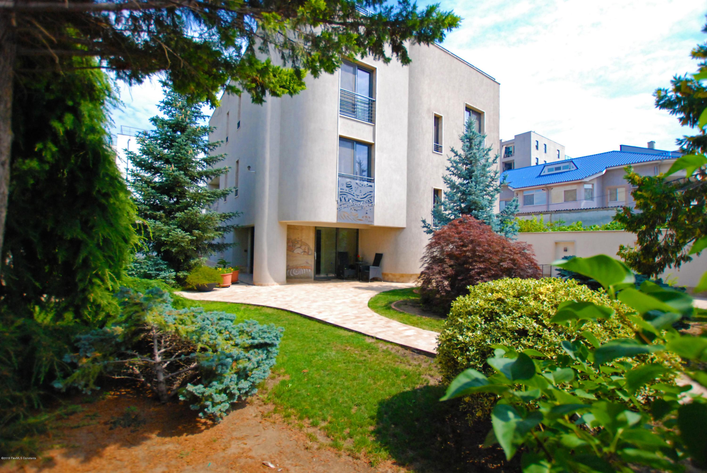 Vanzare Casa 422 m² - Delfinariu, Constanta