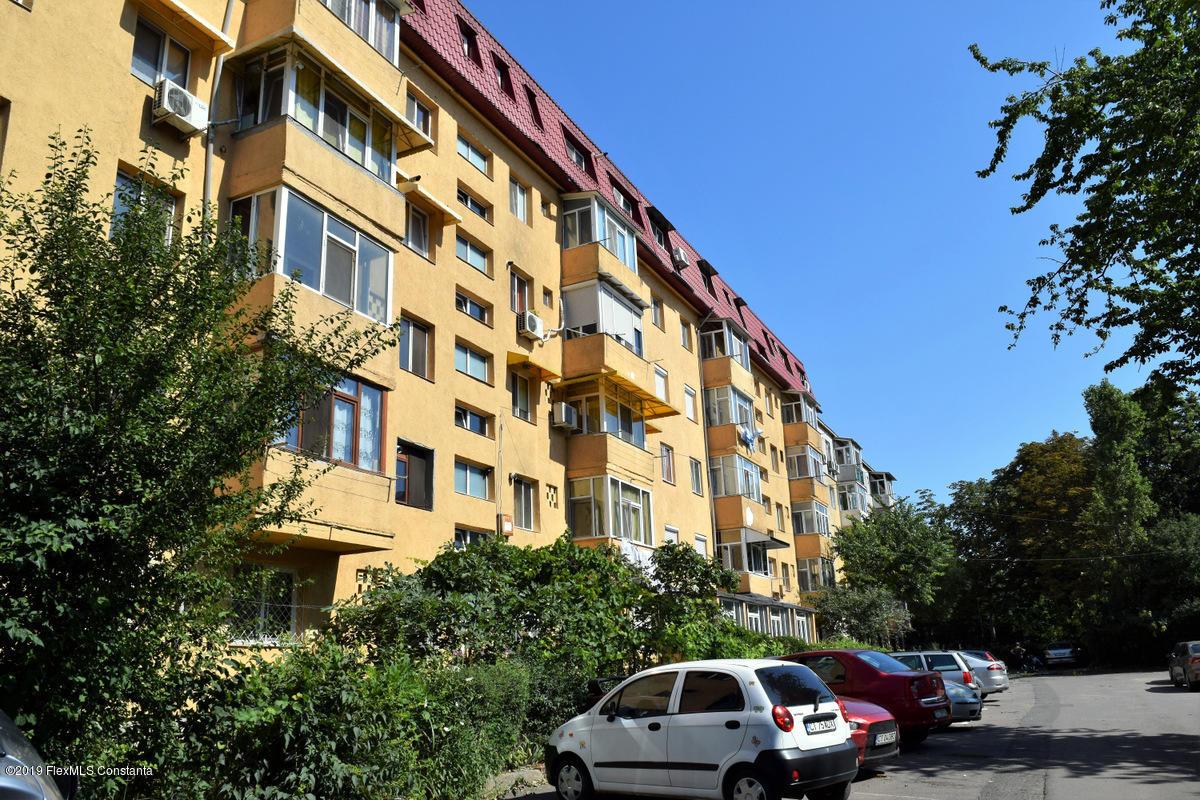 Vanzare Apartament 3 camere - Km 4 - 5, Constanta