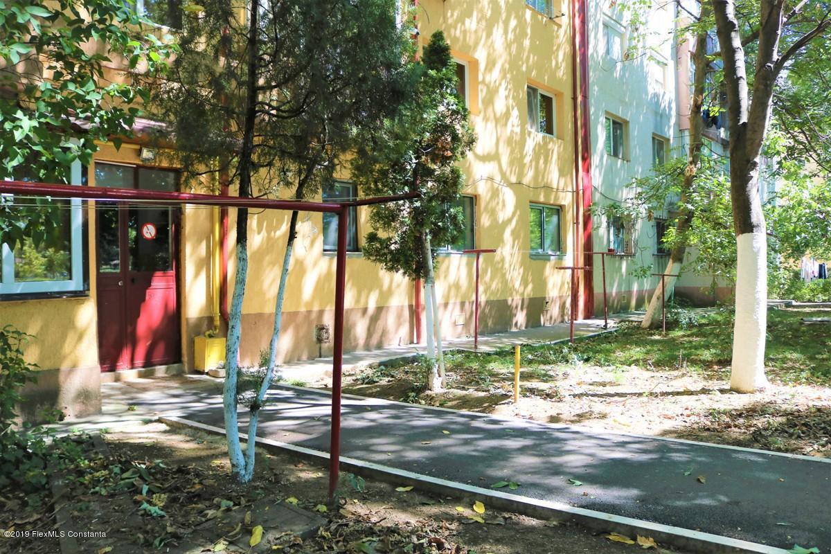 Vanzare Apartament 2 camere - Poarta 6, Constanta