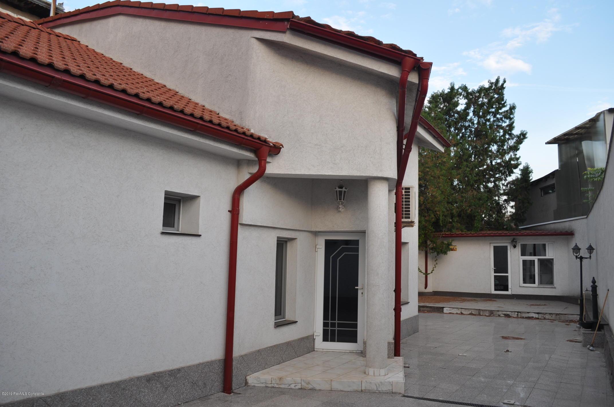 Vanzare Casa 352 m² - Dacia, Constanta