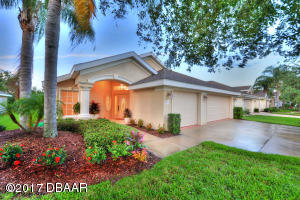 1321Coconut Palm Circle