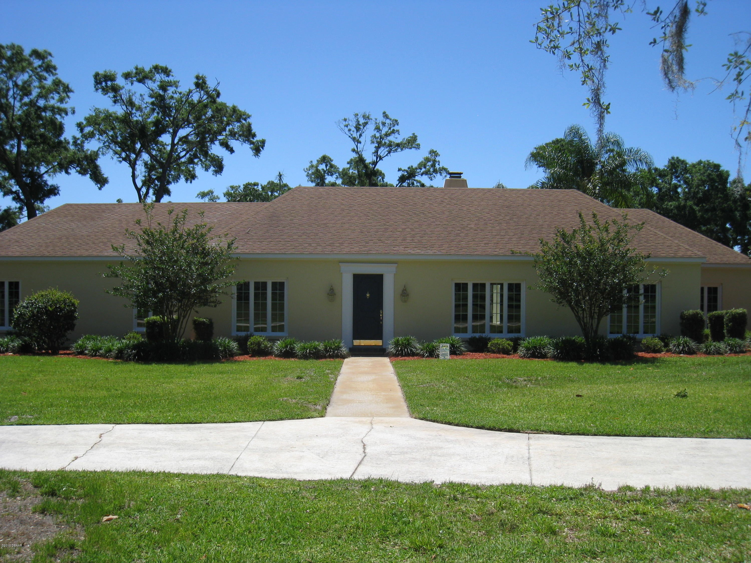 Photo of home for sale at 1700 WhippoorwillLane, Deland FL