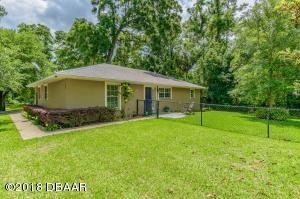 Property for sale at 104 Plumosus Park Drive, Deland,  FL 32724