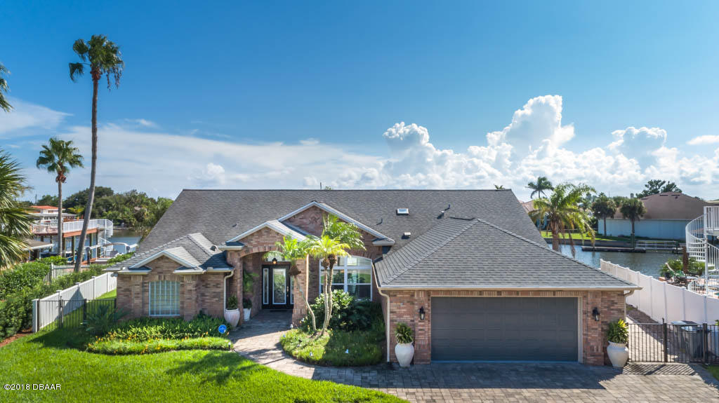 Photo of home for sale at 136, New Smyrna Beach FL
