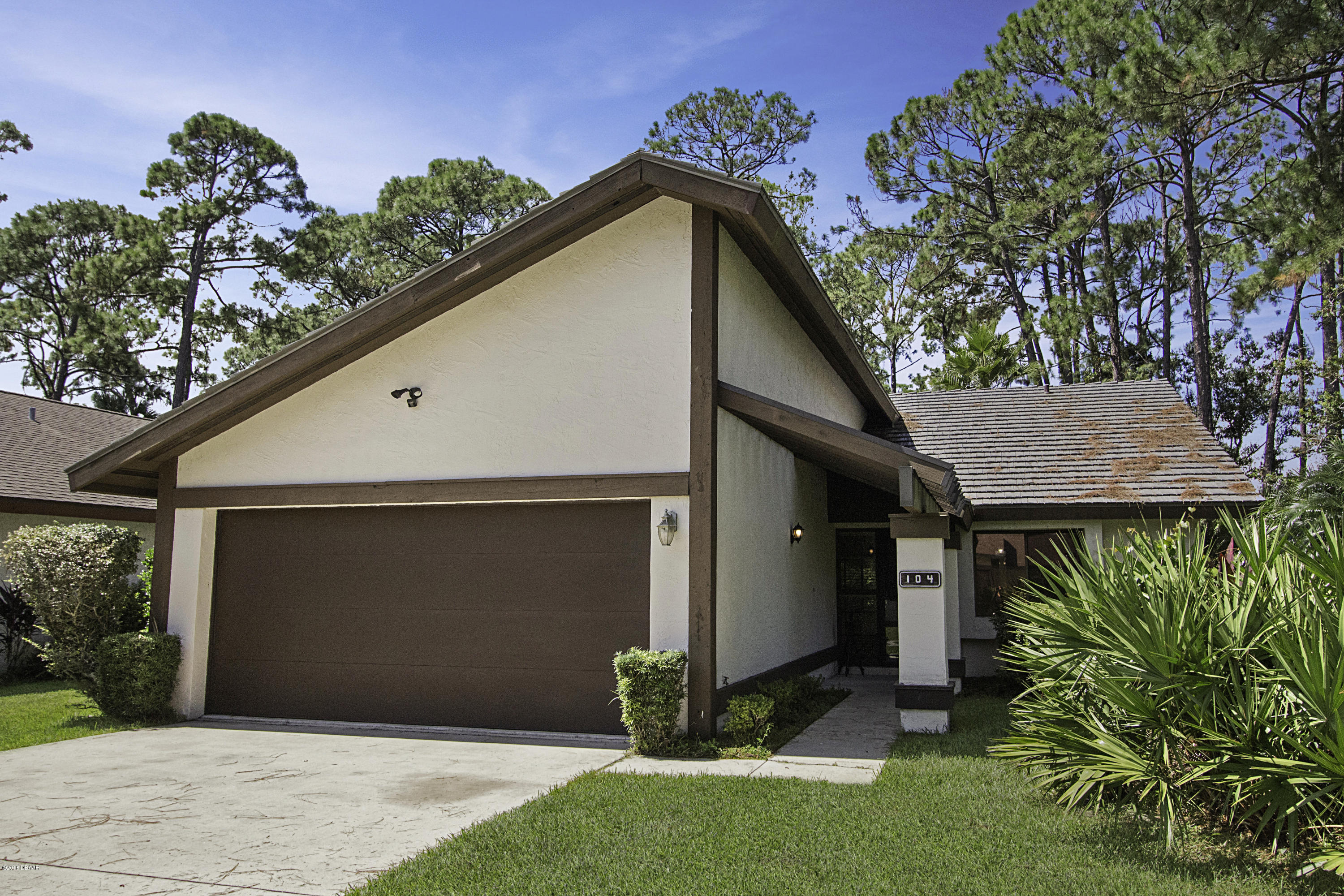 Photo of 104 Pinehurst Circle, Daytona Beach, FL 32114