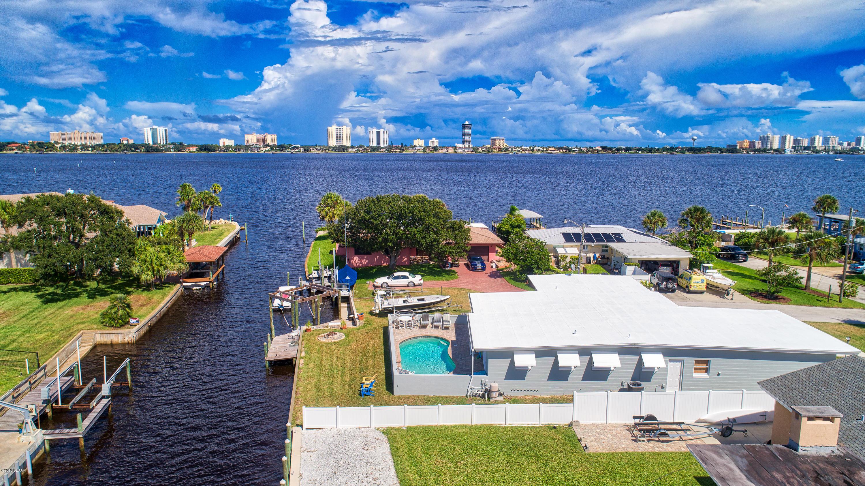 Photo of 138 Bellewood Avenue, South Daytona, FL 32119