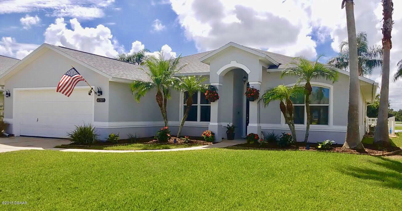 Photo of home for sale at 6757 FerriCircle, Port Orange FL