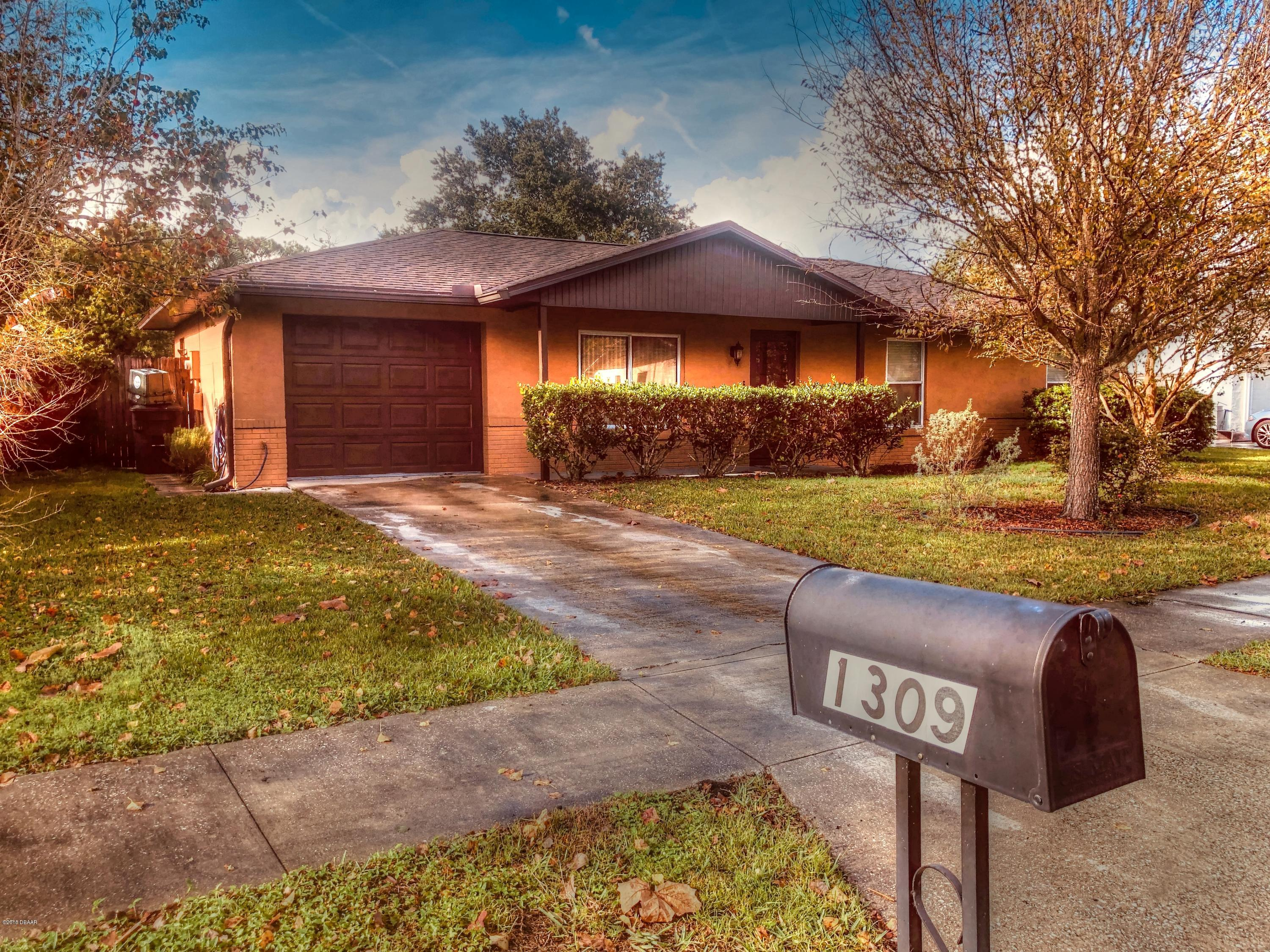 Photo of 1309 W Dexter Drive, Port Orange, FL 32129