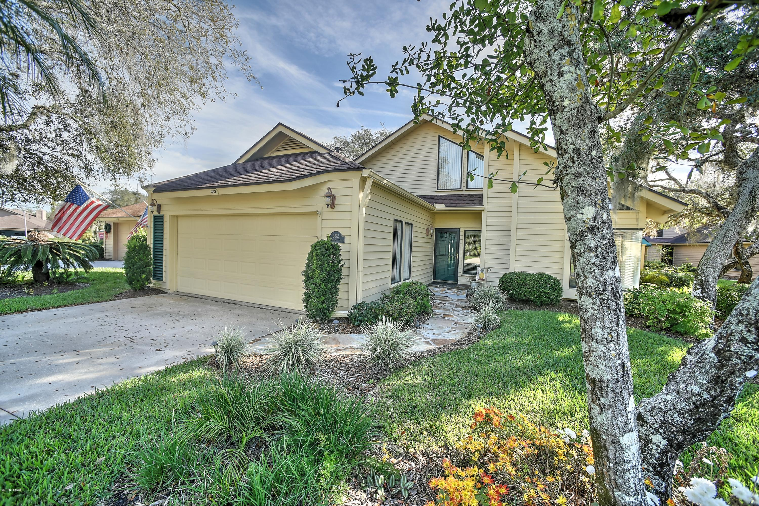 Photo of 652 St Andrews Circle, New Smyrna Beach, FL 32168