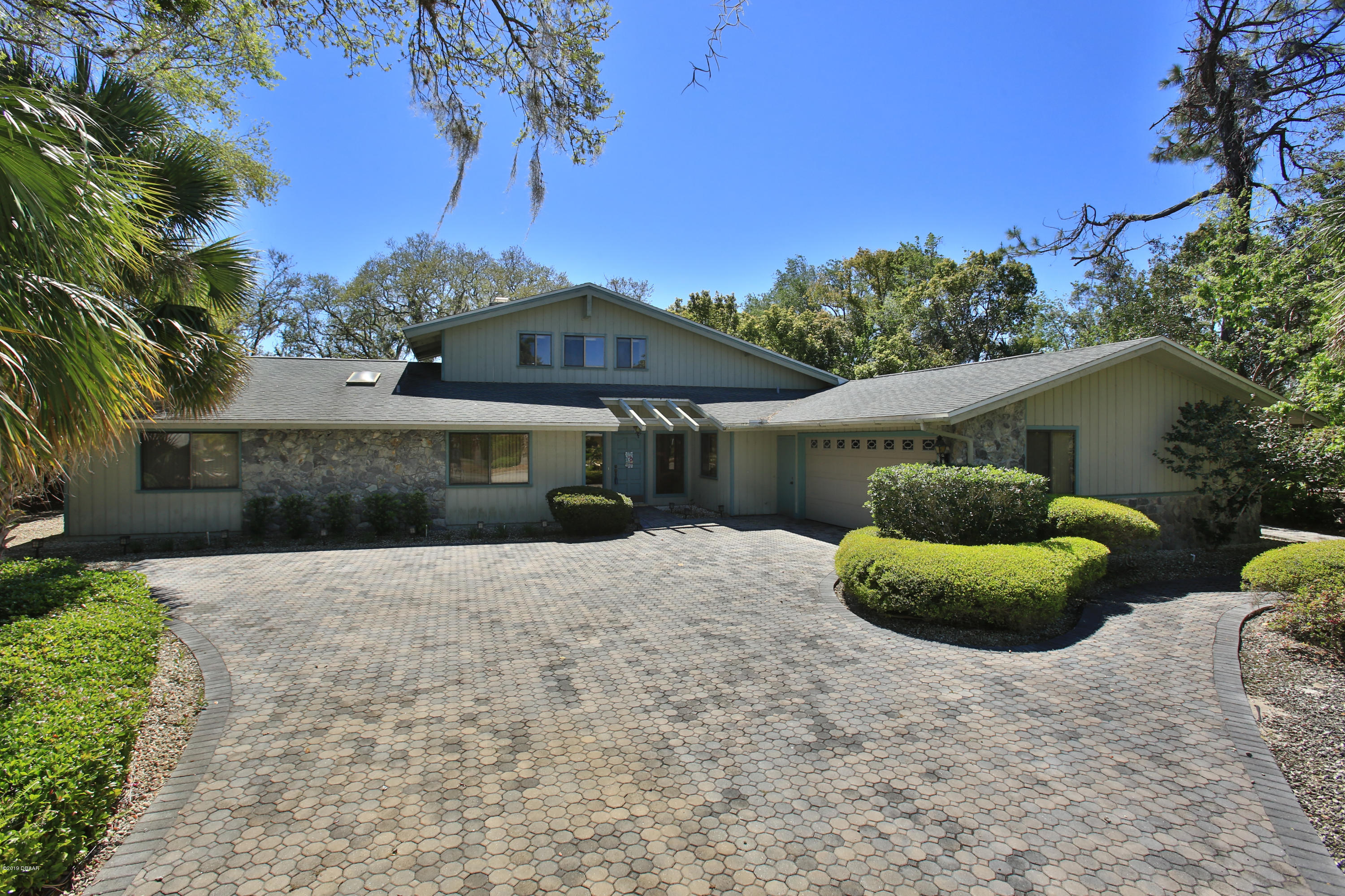 Photo of 517 Boxwood Lane, New Smyrna Beach, FL 32168