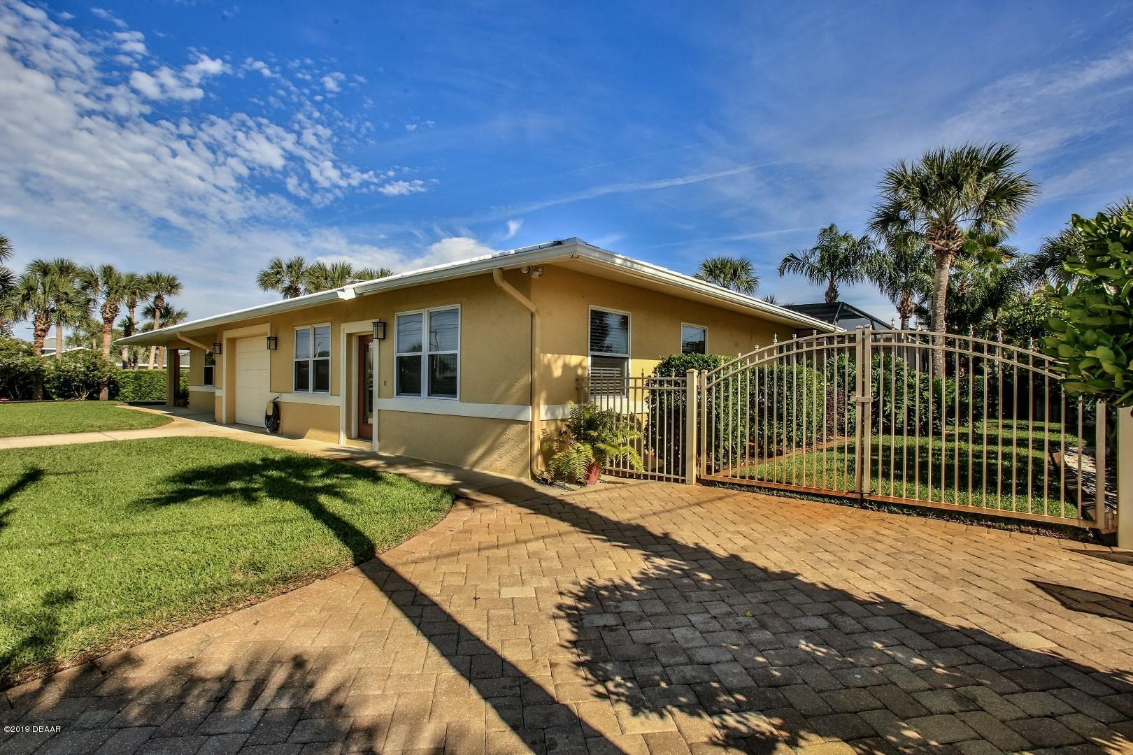 Photo of 801 Carol Avenue, New Smyrna Beach, FL 32169