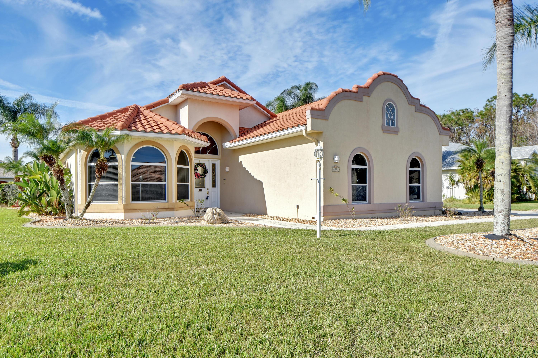 Photo of 6374 Fairway Cove Drive, Port Orange, FL 32128